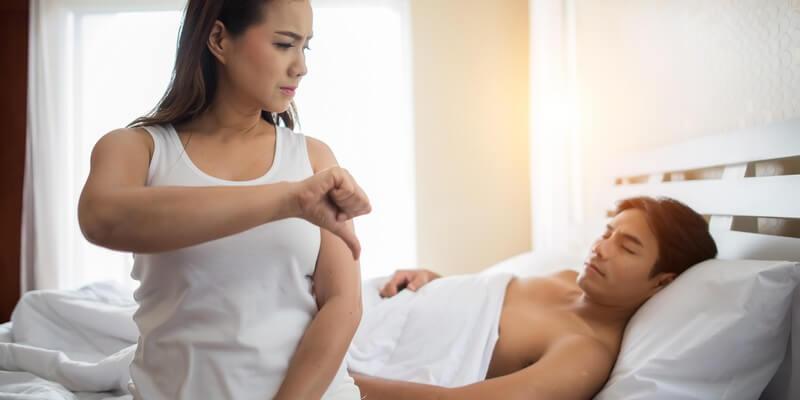 Femmes pas satisfaite au lit - Ejaculation précoce - causes et traitements